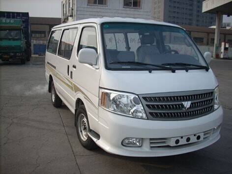 家庭出行建议您选择北京大巴包车公司的小巴出行